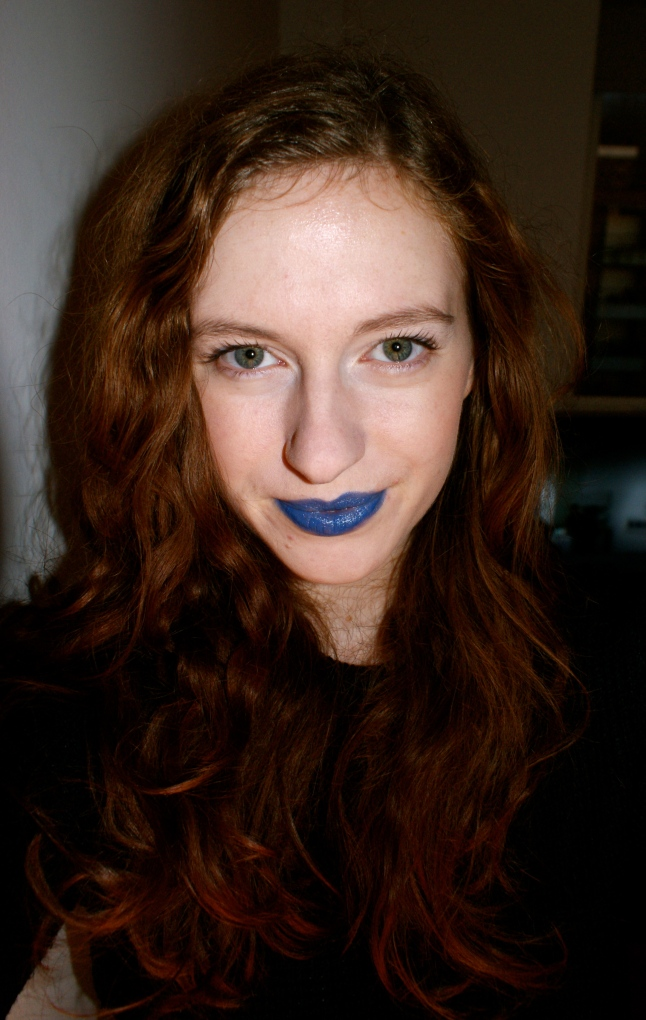 blogger blue lipstick